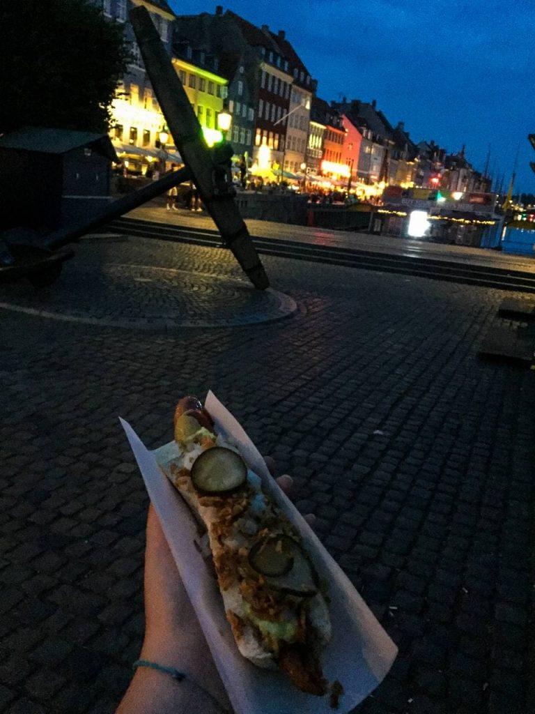 Ristet hot dog sul Nyhavn