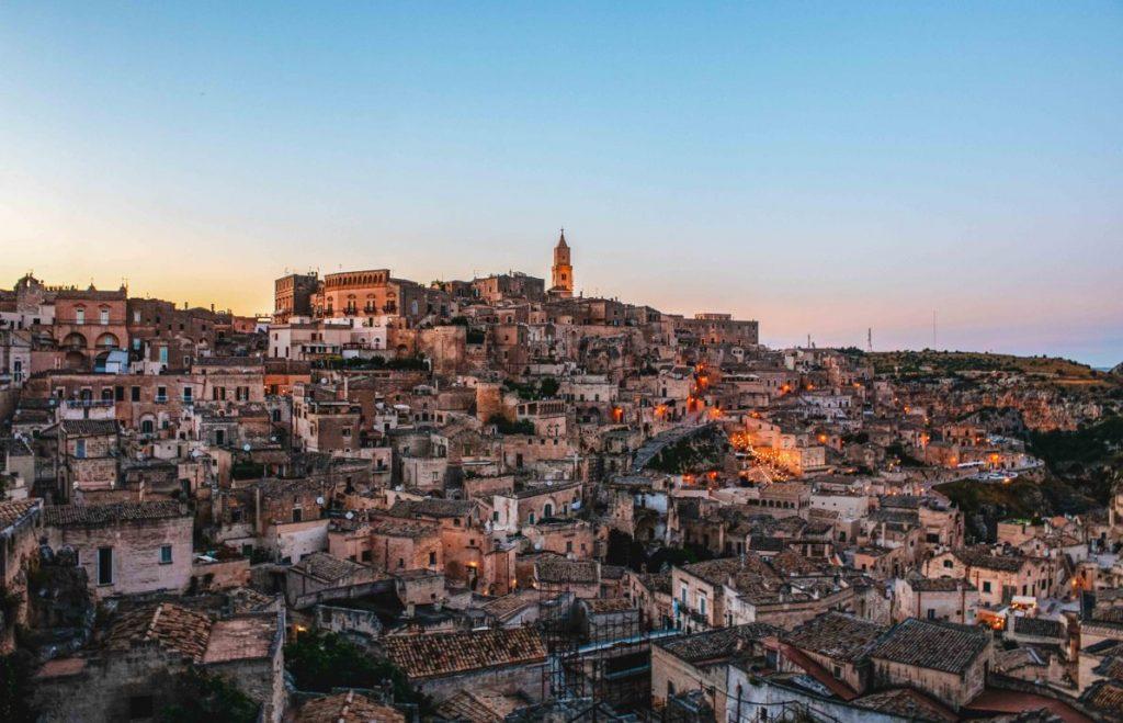Tramonto dalla piazzetta Giovanni Pascoli a Matera