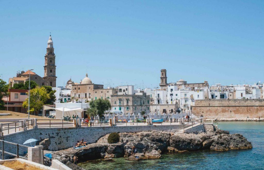 Scorcio di Monopoli on the road in Puglia