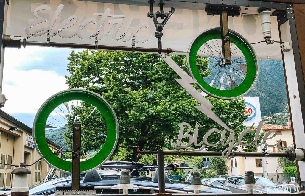 Limone Rent Bike: il noleggio perfetto per il giro sulla pista ciclabile sul Lago di Garda