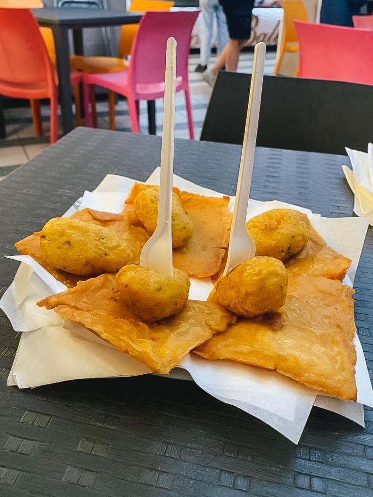 Cosa mangiare a Palermo: panelle e crocchè