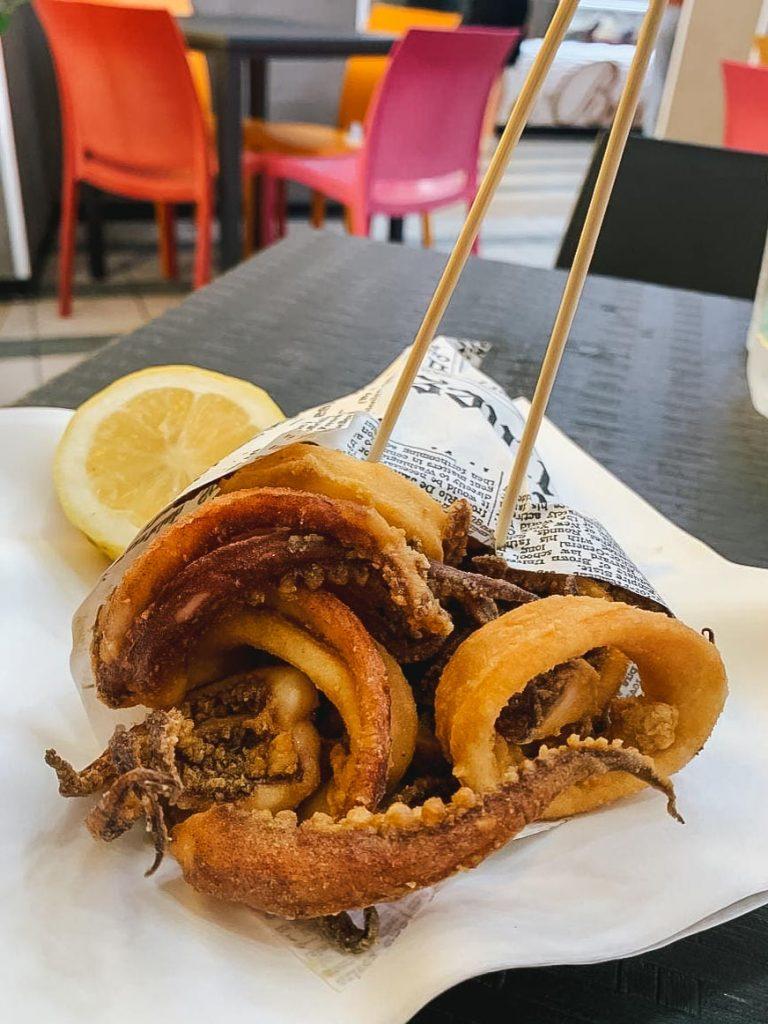 Cosa mangiare a Palermo: Coppo di pesce fritto