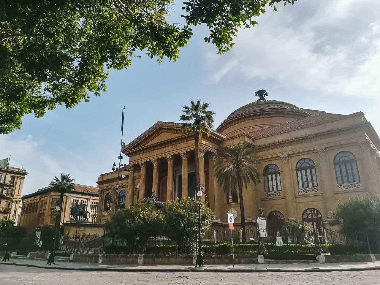 Scorcio del Teatro Massimo