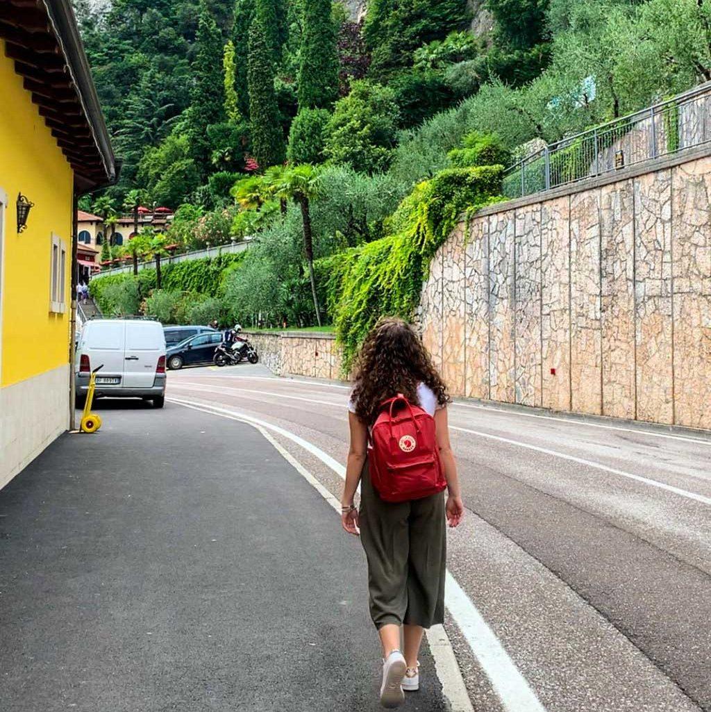 Ecco la fermata del bus a pochi passi dalle cascate